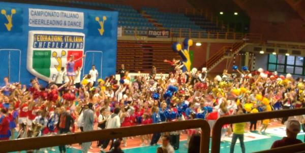 campionati italiani cheerleaders salsomaggiore 2012 palazzetto sport